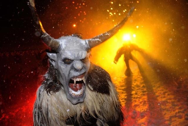 pb-101201-gathering-devils-2p.photoblog900