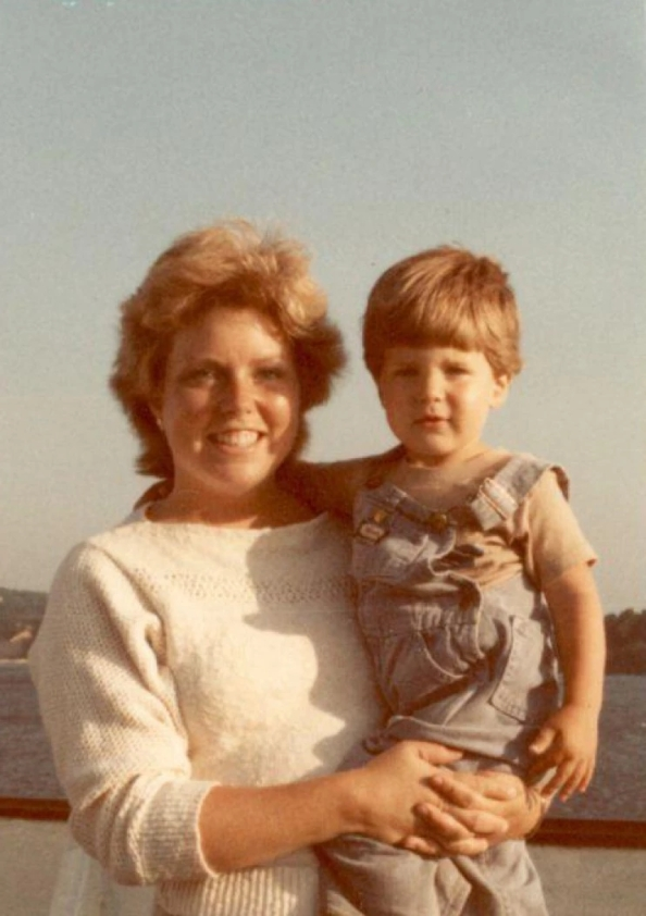 Jake_with_his_mom_-_19831443808030