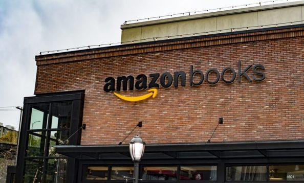 AmazonBookstore-930x561